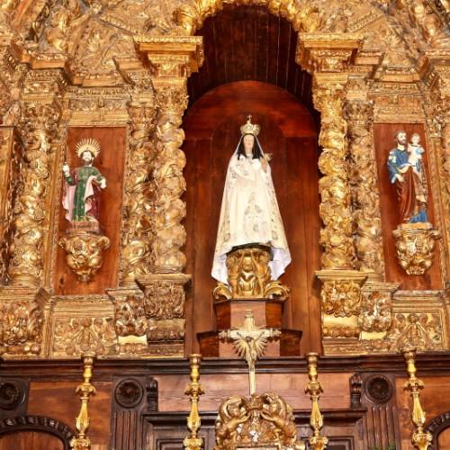 Altar-Mor com imagens de São Bartolomeu e São José